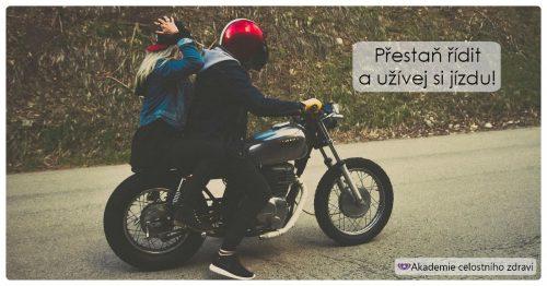 Se svým mužem na motorce = intenzivní trénink ženství